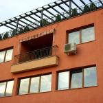 Жилищна сграда и Детска очна клиникa 03
