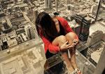 Уникални стъклени балкони на небостъргача Willis Tower в Чикаго 01